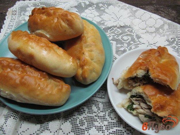 фото рецепта: Пирожки с начинкой из вареной курицы и яйцом
