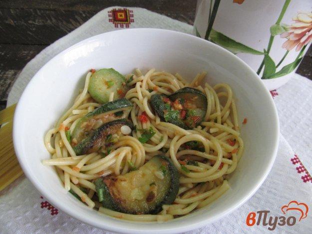фото рецепта: Паста с кабачком и соусом из помидора