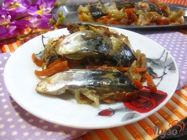 фото рецепта: Рулет из скумбрии с луком и морковью