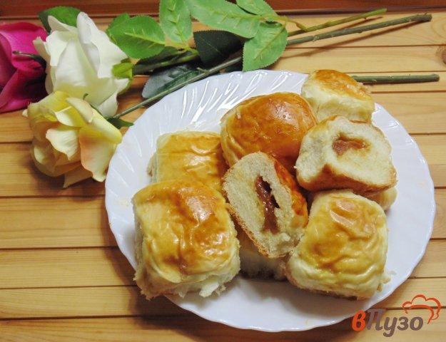фото рецепта: Пирожки с вареным сгущенным молоком