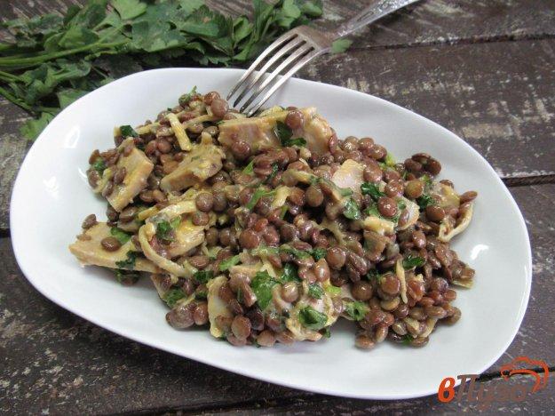 фото рецепта: Мясной салат с чечевицей в горчичном соусе