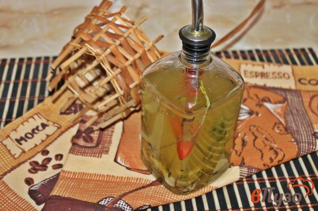фото рецепта: Ароматное масло с перцем чили и имбирем