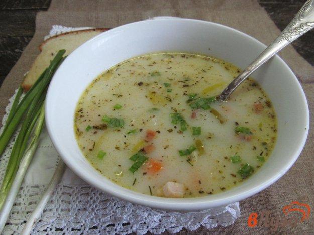 фото рецепта: Картофельный суп на молоке с сыром