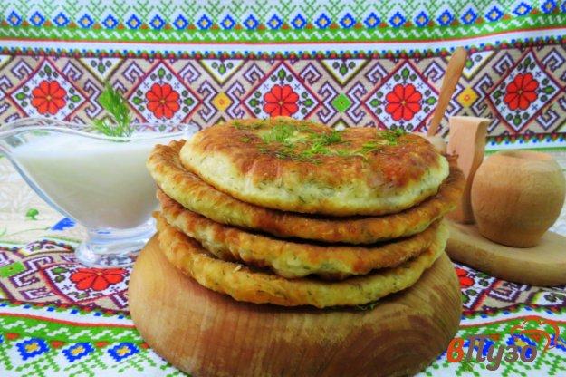 фото рецепта: Лепёшки с сыром на кефире