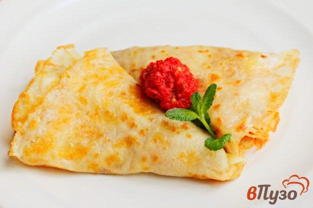 фото рецепта: Блины с чесноком и сыром