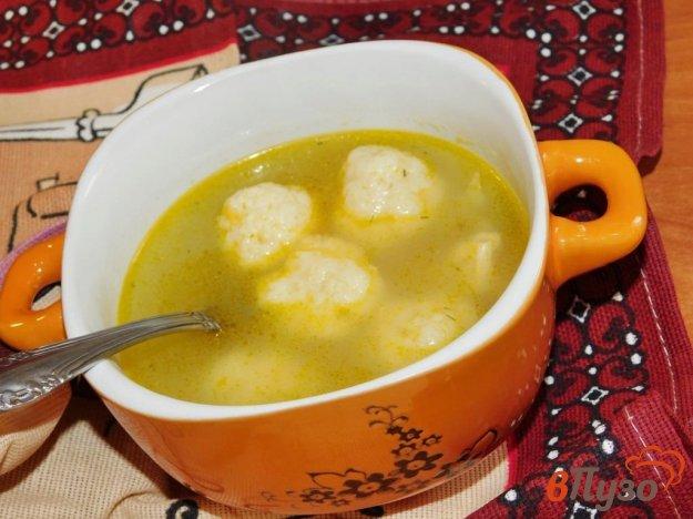 фото рецепта: Куриный суп с клецками и горошком