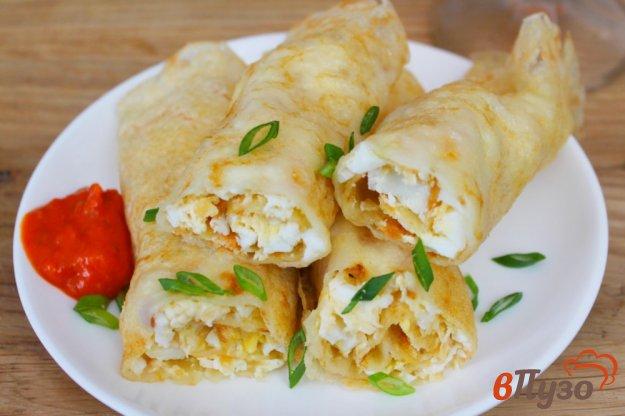 фото рецепта: Тонкие блины с яйцом и сыром