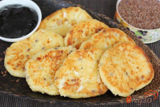 фото рецепта: Сырники на желтках с семенами льна