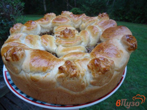 фото рецепта: Дрожжевой пирог с мясом и капустой
