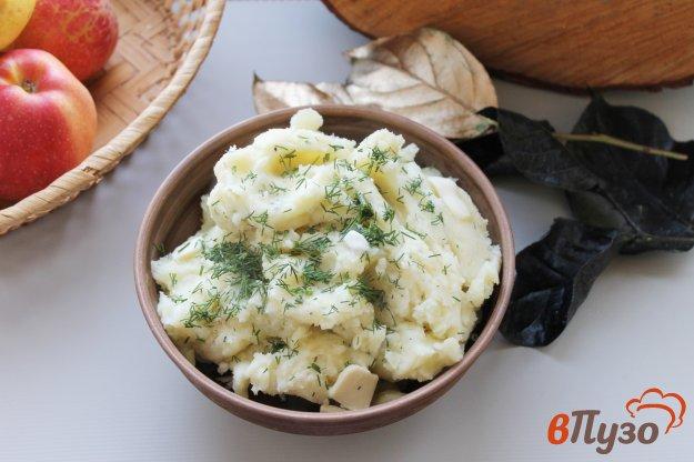 фото рецепта: Картофельное пюре с твердым сыром, маслом и укропом