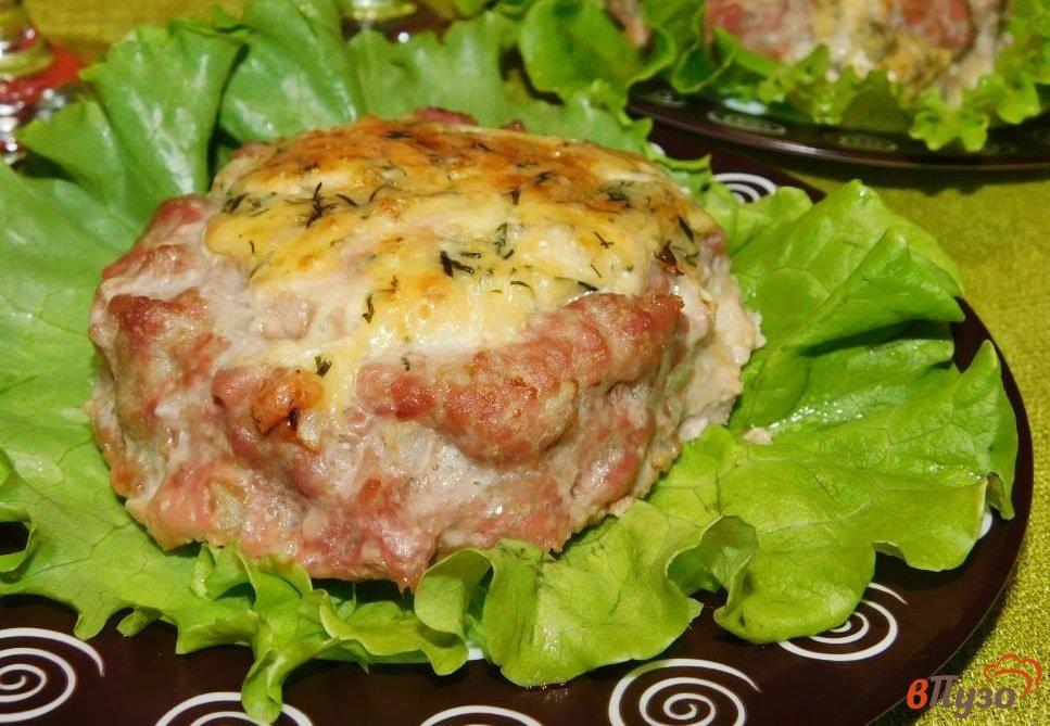 Фото приготовление рецепта: Мясные корзиночки с сырной начинкой шаг №4
