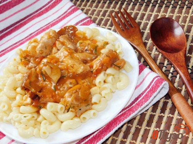 фото рецепта: Мясная подлива с грибами в томате