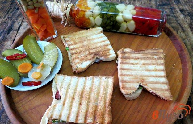 фото рецепта: Сэндвич с беконом и сыром