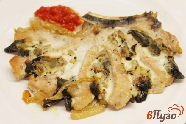 фото рецепта: Корейка с черносливом и чесноком