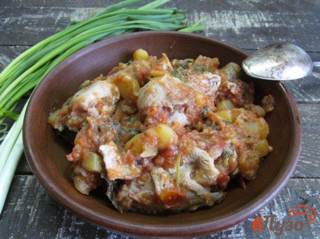 фото рецепта: Жареная курица с картофелем в мультиварке