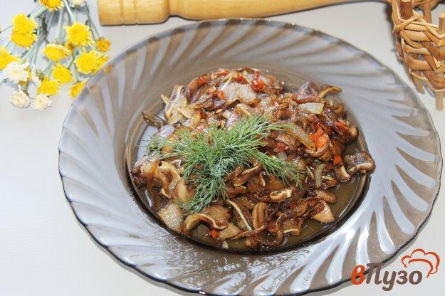 фото рецепта: Свиные ушки с грибами и овощами