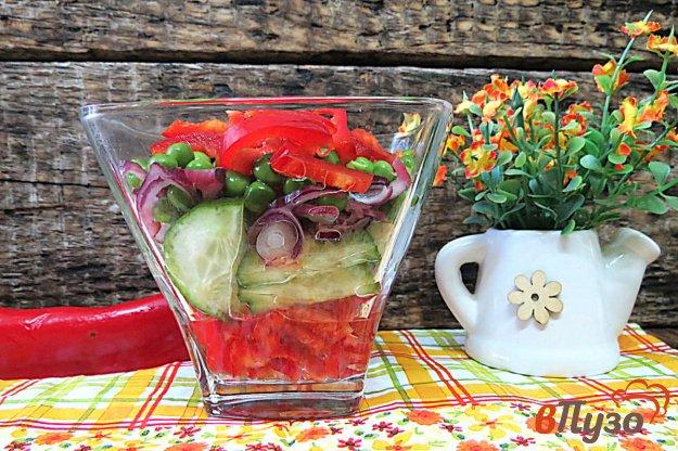 фото рецепта: Салат из болгарского перца, огурца и горошка