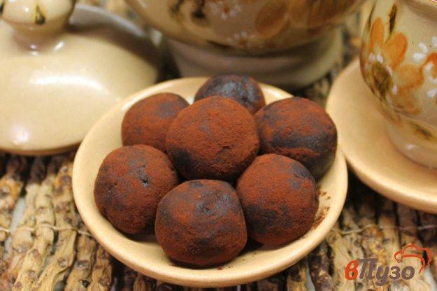 фото рецепта: Шоколадные конфеты с черносливом и орехами