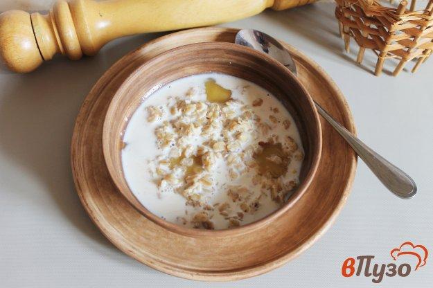 фото рецепта: Овсянка с орешками и медом
