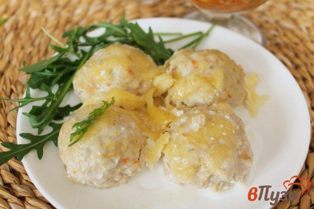 фото рецепта: Фрикадельки из индейки со сливками и сыром