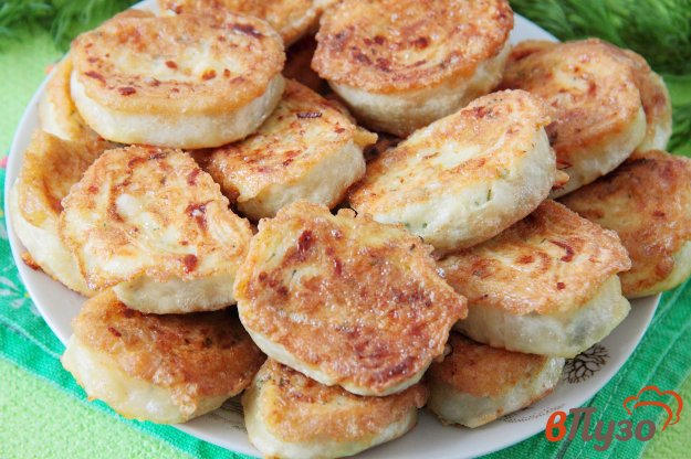 фото рецепта: Жареные рулетики из лаваша с сыром