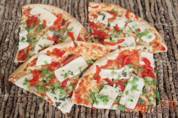 фото рецепта: Лаваш с плавленым сыром и томатом