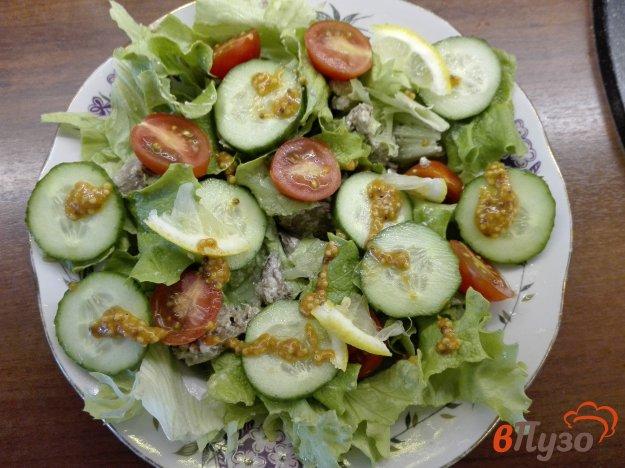 фото рецепта: Весенний салат с куриной печенью