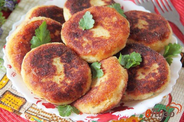 фото рецепта: Картофельные зразы с яйцом, сыром и зеленью
