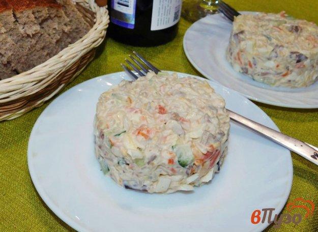 фото рецепта: Салат с куриной печенью