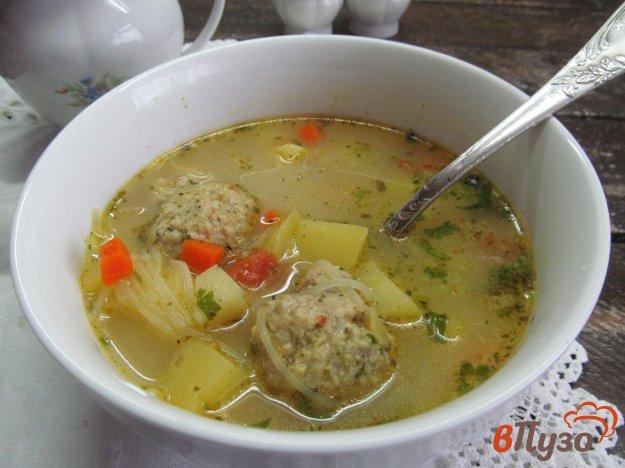 фото рецепта: Овощной суп с фунчозой и фрикадельками