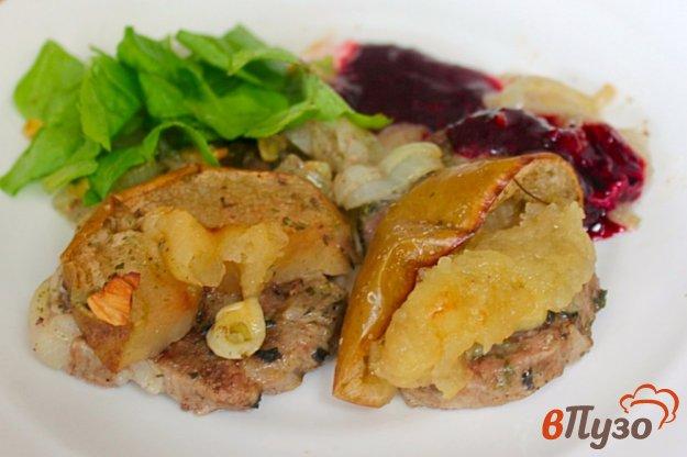 фото рецепта: Ошеек с яблоком в духовке