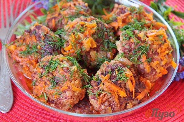 фото рецепта: Тефтели с гречкой в томатном соусе