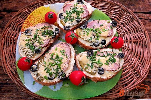 фото рецепта: Горячие бутерброды с ветчиной и сыром