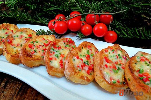 фото рецепта: Гренки с чесноком и сыром