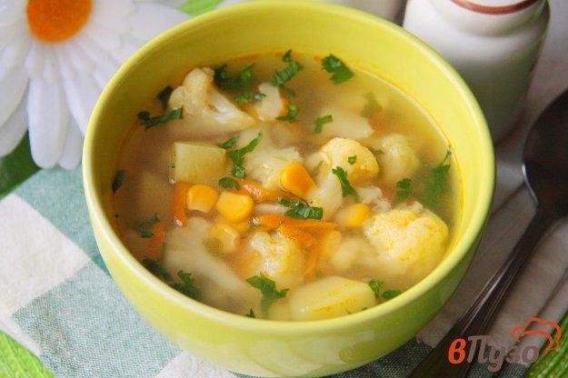фото рецепта: Овощной суп с кукурузой и цветной капустой в мультиварке