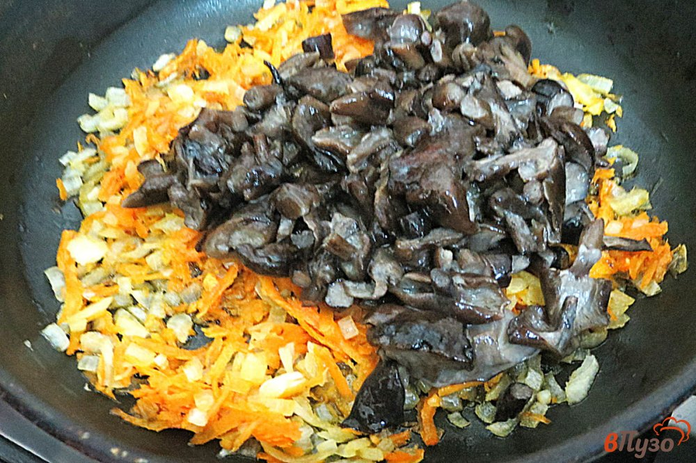 Фото приготовление рецепта: Картофельные зразы в духовке шаг №3
