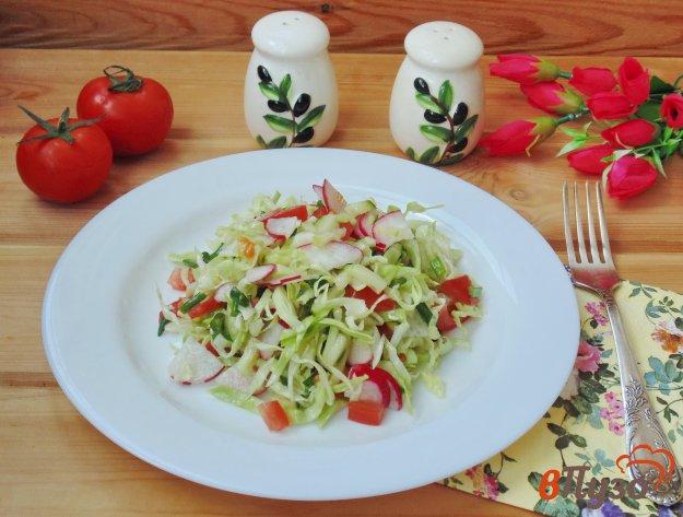 фото рецепта: Салат весенний с молодой капустой