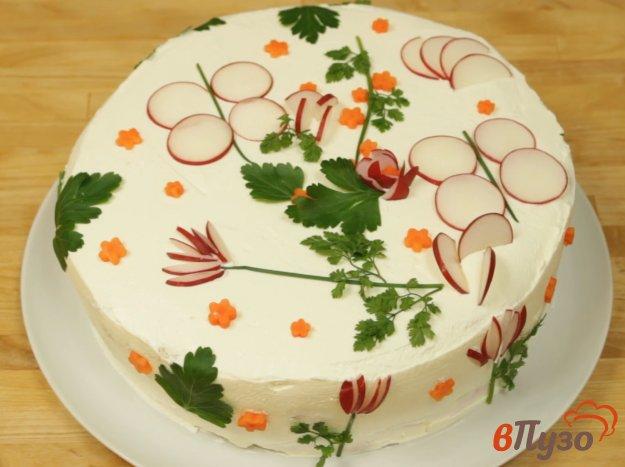 фото рецепта: Слоёный закусочный торт