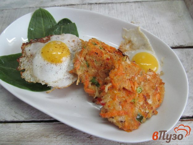 фото рецепта: Оладьи из моркови с сельдереем