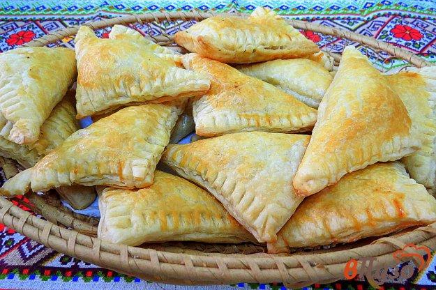 фото рецепта: Пирожки слоёные с печенью (из готового теста)