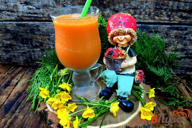 фото рецепта: Смузи из яблок, моркови и имбиря