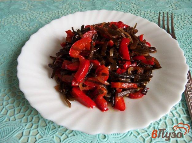 фото рецепта: Морская капуста тушеная с болгарским перцем