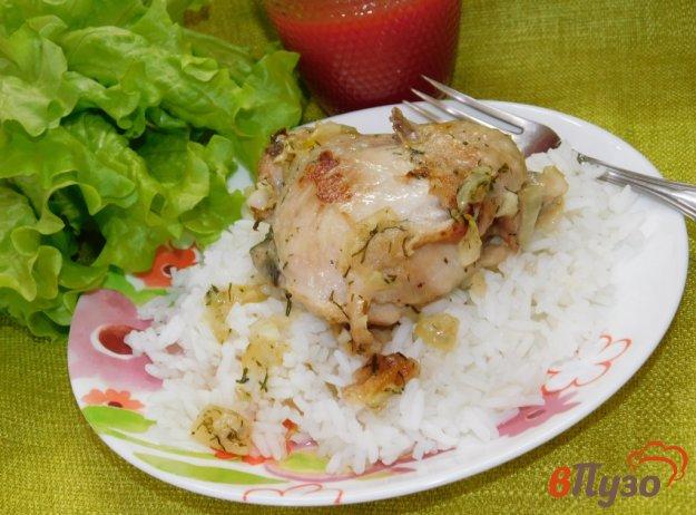 фото рецепта: Куриные бедра в чесночно-сметанном соусе