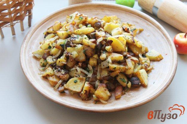 фото рецепта: Жареный картофель с баклажаном и луком