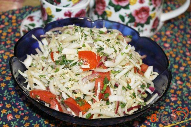 фото рецепта: Салат из капусты с помидорами и сыром