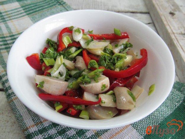 фото рецепта: Салат из вареных грибов и болгарского перца