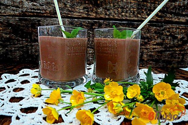 фото рецепта: Смузи с творогом вишнями и какао