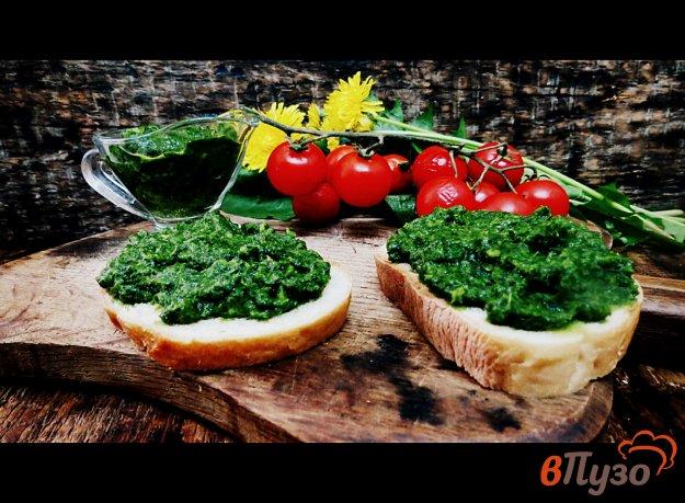 фото рецепта: Зелёный соус из шпината и салата