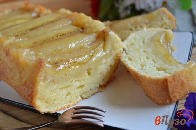 фото рецепта: Банановый пирог со сметанной заливкой