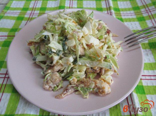 фото рецепта: Салат из молодой капусты с мясом курицы
